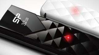 Silicon-power-ultima-u03-8gb-black_02